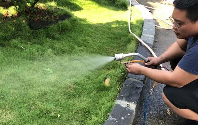 spraying-1-640x405